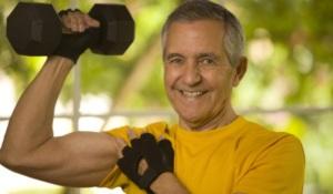 Режим отдыха и труда поможет при климаксе