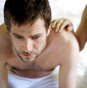 Сильное волнение мужчины в сексе