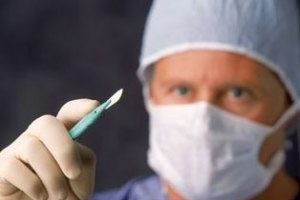 Скальпель хирурга при ВПЧ