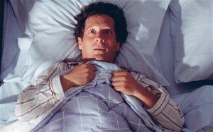 Расстройство сна - один из прихнаков гипертиреоза